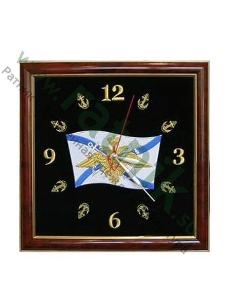 Часы настенные подарочные выш. на бархате в багетной раме (35*35) андреевский флаг с орлом ВМФ. (арт. 552)